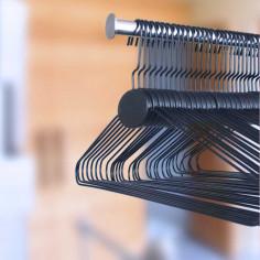 Packung mit 100 Drahtbügeln Standard 44 CM C0440W 91,00€  Bügel für Lingerie und Bademode