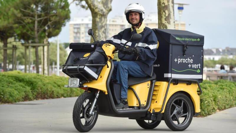 Scooter cases designed for scooter manufacturer LIGIER that equip LA POSTE FRANÇAISE.